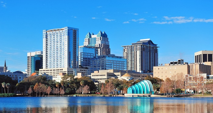 Orlando-skyline-on-Lake-Eola